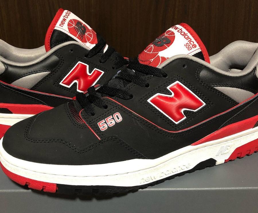 New Balance 550 rouge et noire (2)