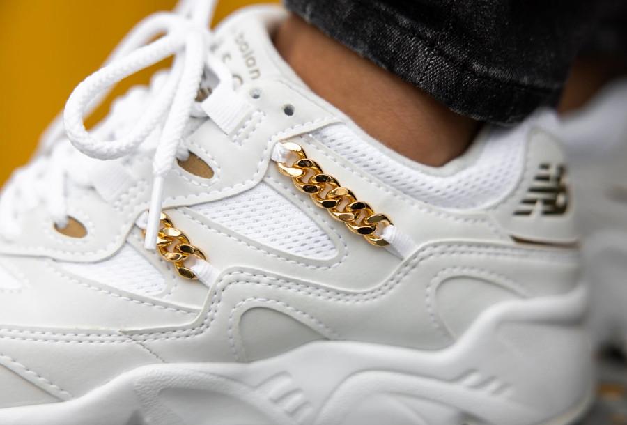 New Balance 850 blanche avec une chaînette en or (4)