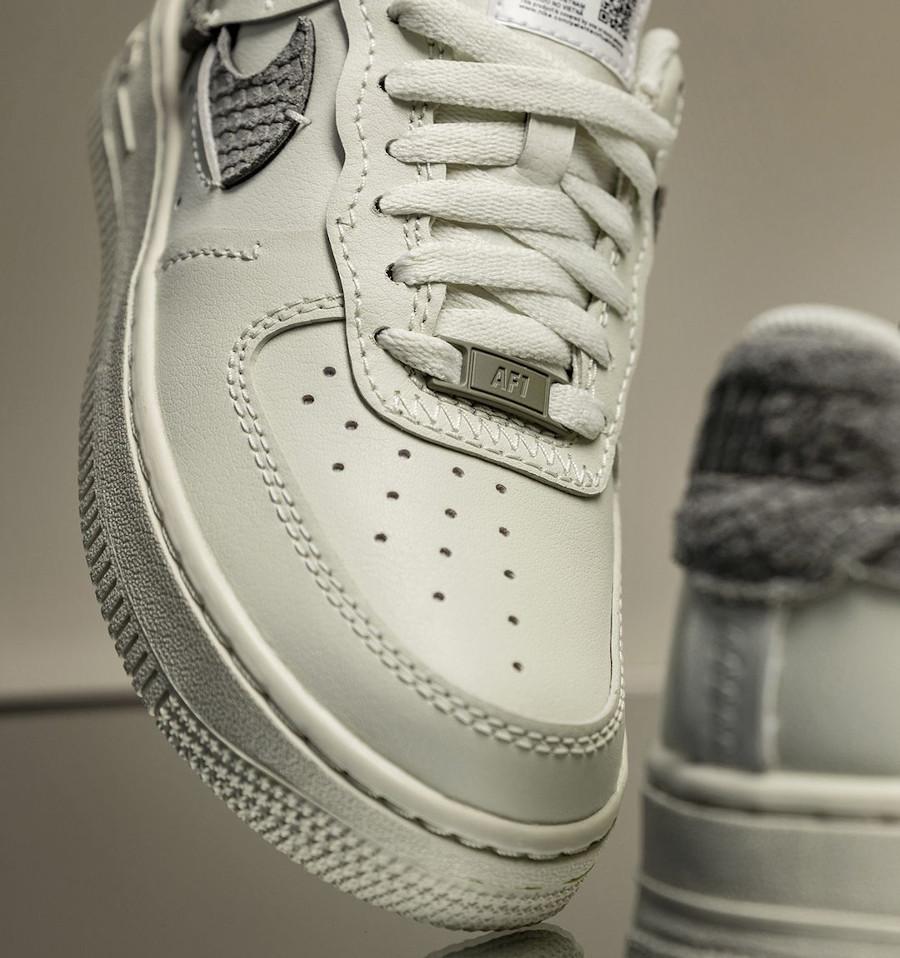 Nike Air Force 1 Vandalized Inside out beige (imprimé serpent) (1)