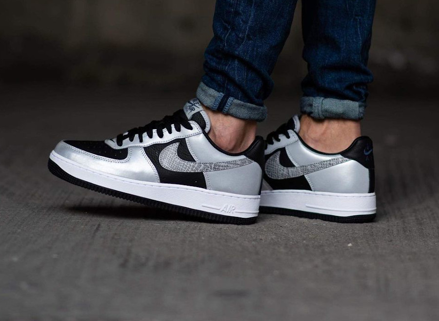 Nike Air Force One Low gris argent (imprimé serpent) (2)