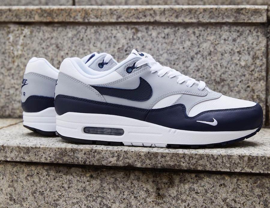 Nike Air Max 1 en cuir gris et bleu marine (5)