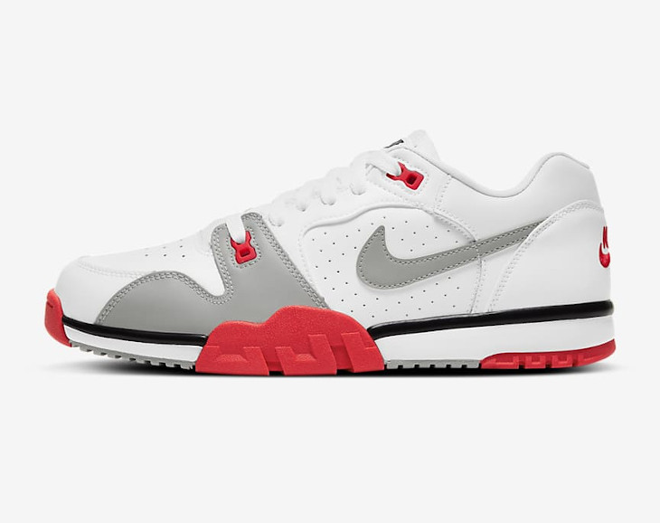 Nike Cross Trainer Low blanche grise et rouge (1)