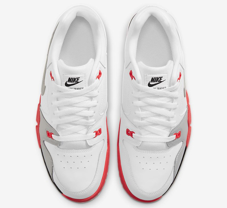 Nike Cross Trainer Low blanche grise et rouge (4)