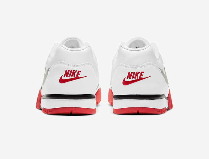 Nike Cross Trainer Low blanche grise et rouge (5)
