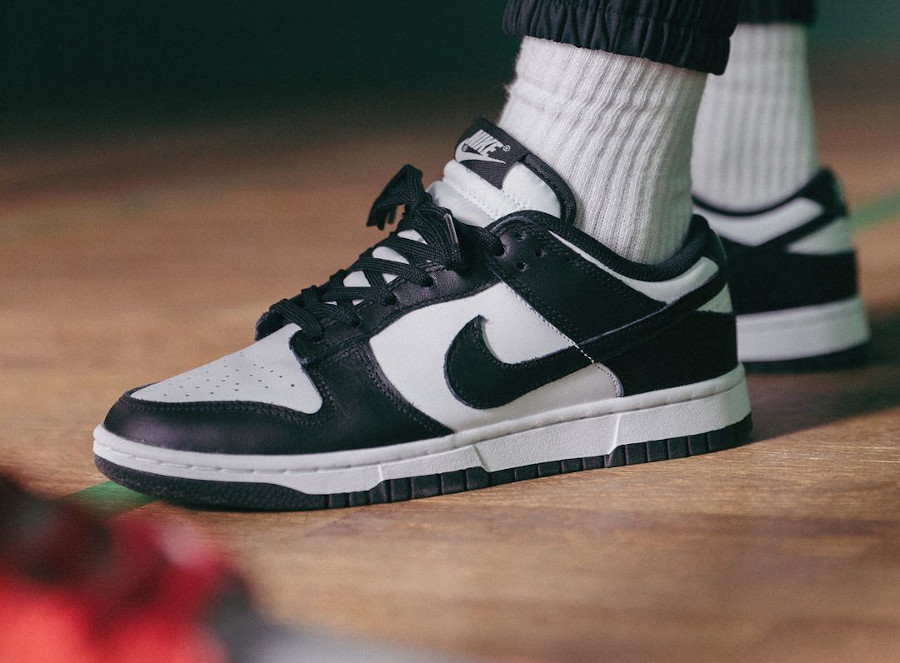 Nike Dunk basse blanc et noir on feet