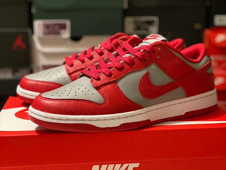Nike Dunks Lo OG grise et rouge (2)