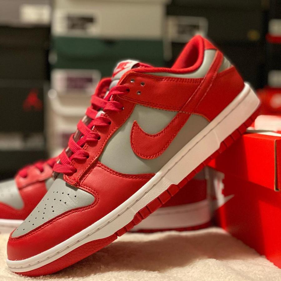 Nike Dunks Lo OG grise et rouge (3)