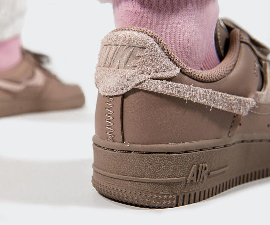 Nike Wmns AF1 Lux taupe (6)