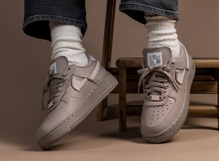 Nike Wmns AF1 Lux taupe