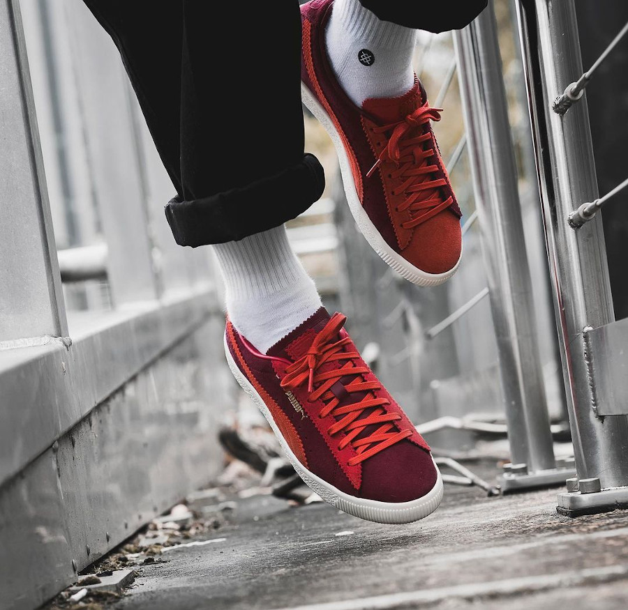 Puma-Suede-Vintage-Mismatched-rouge-et-bordeaux-on-feet (3)