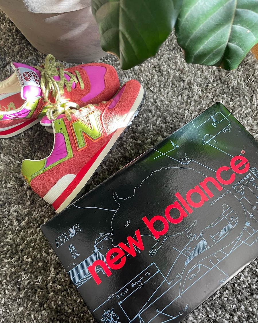 SR x New Balance 574 rouge et rose (1)