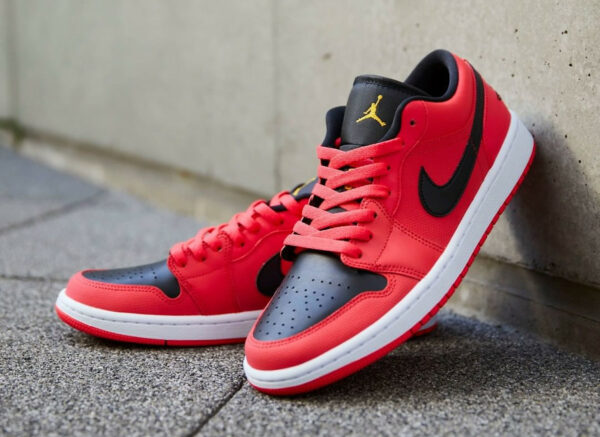 AJ1 Low Wmns 'Infrared' Siren Red Gold Black DC0774-600