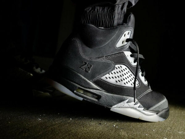AJ5 Retro Anthracite Wolf Grey Clear Black DB0731-001