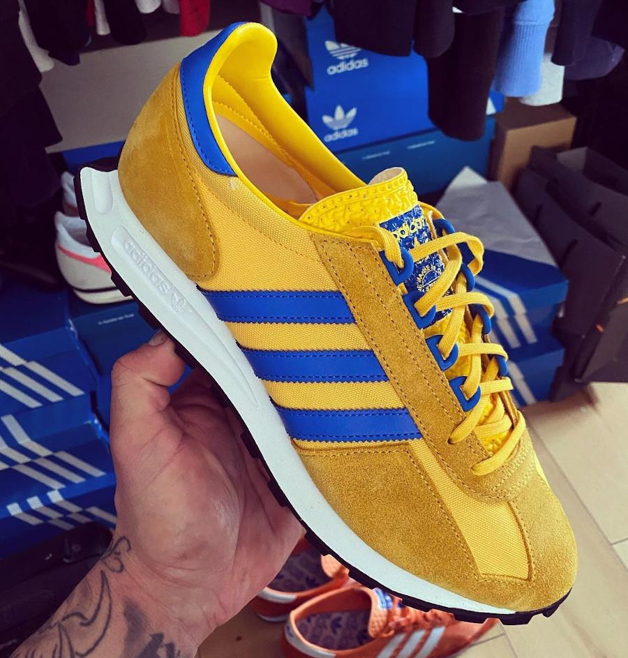 Adidas Racing jaune et bleue (1)