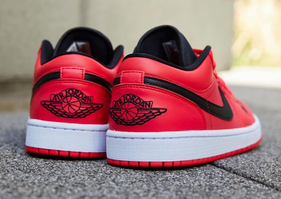 Air Jordan 1 basse pour femme rouge noir et dorée (3)