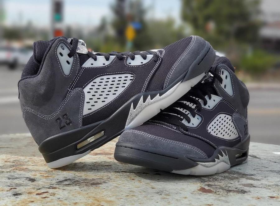 Air Jordan 5 Retro grise et noire 2021 (1)