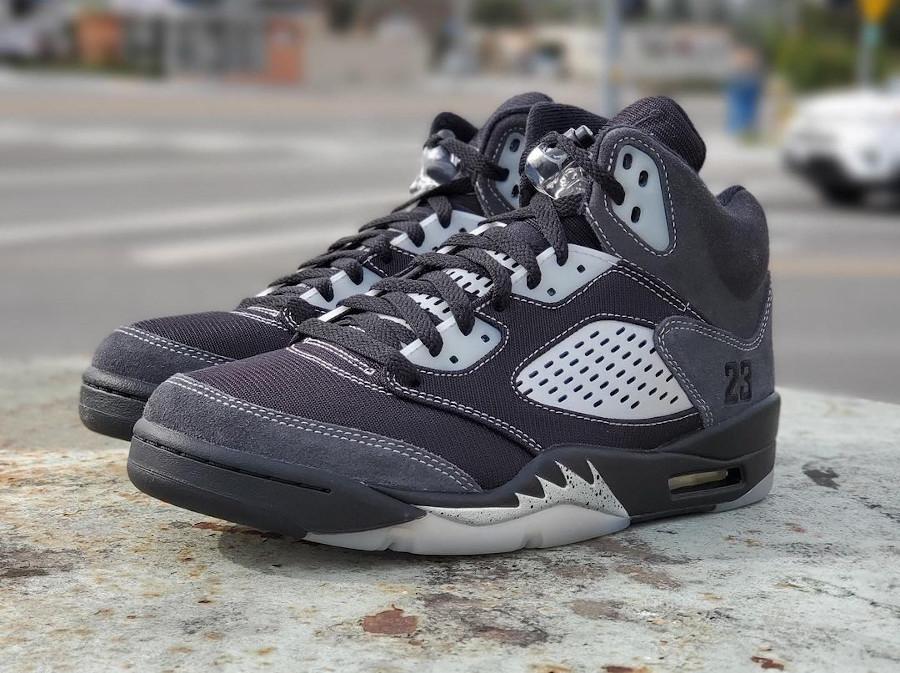 Air Jordan 5 Retro grise et noire 2021 (2)