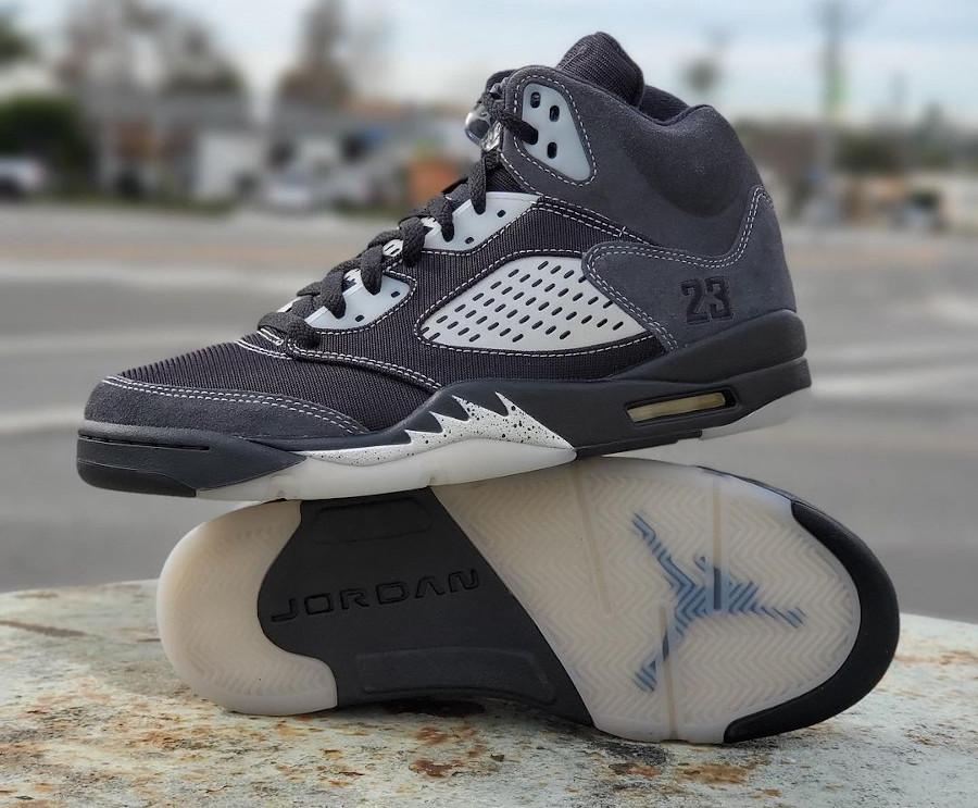 Air Jordan 5 Retro grise et noire 2021 (3)