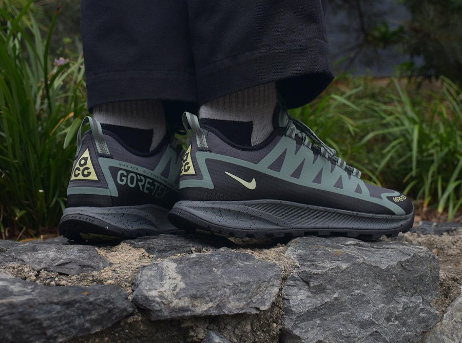 Nike ACG Air Nasu Clay Green Olive Aura on feet CW6020 300