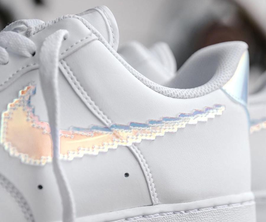Nike Air Force 1 Low blanche multicolore (virgule pixelisée) (1)