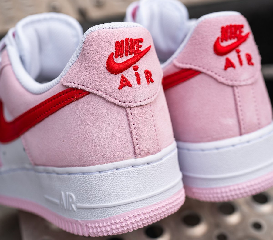 Nike Air Force One Strange Love blanche rouge et rose (1)