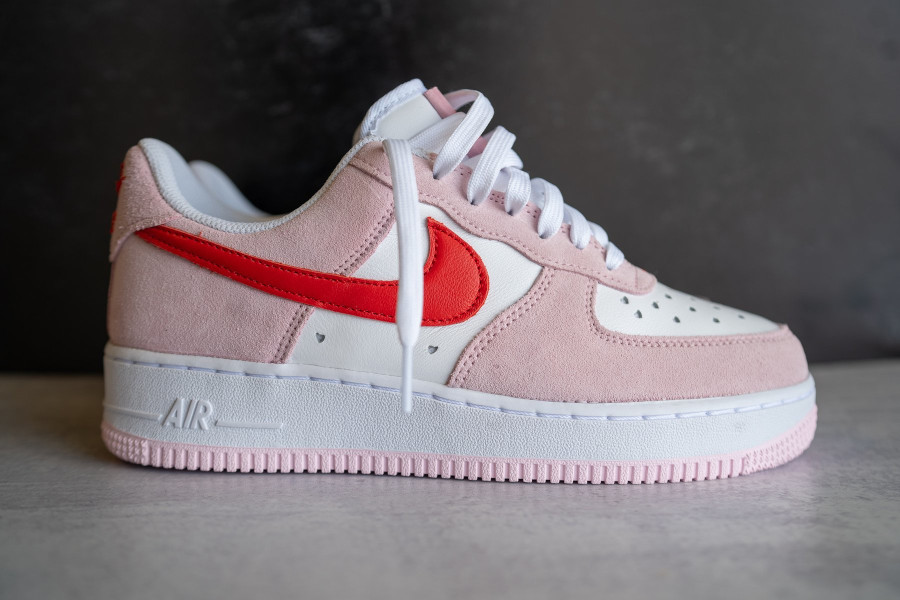 Nike Air Force One Strange Love blanche rouge et rose (3)