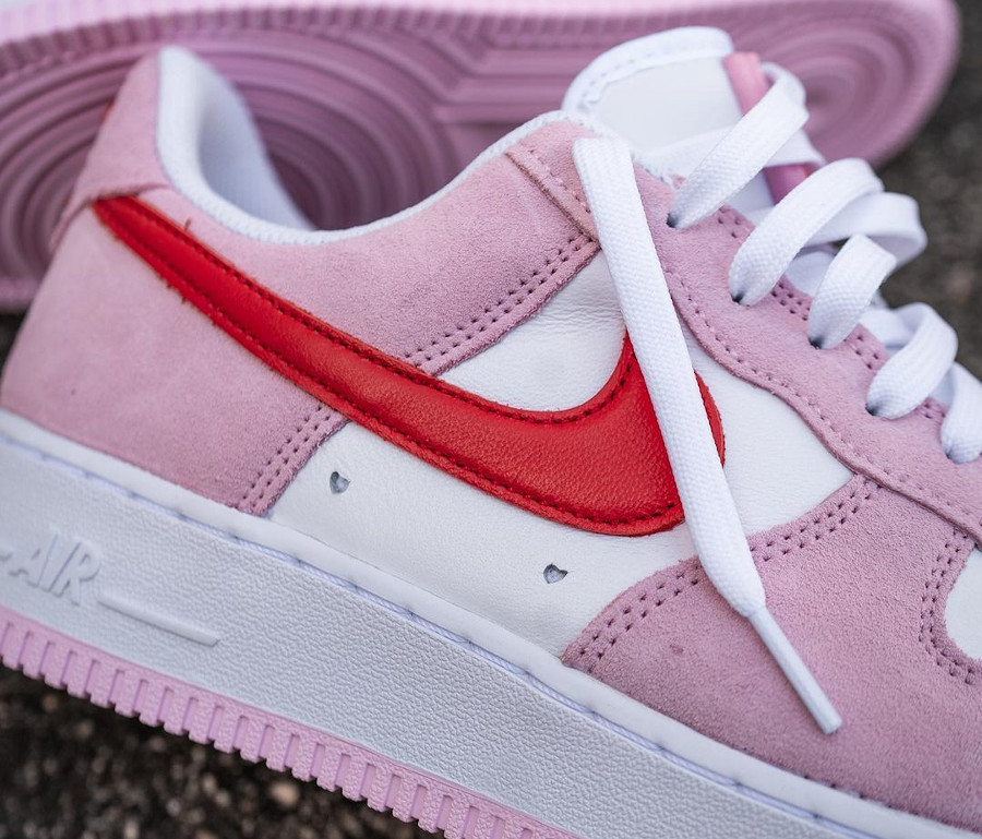 Nike Air Force One Strange Love blanche rouge et rose (6)
