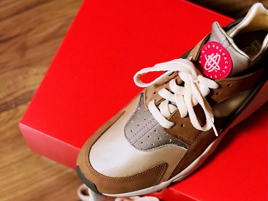 Nike Air Huarache crème et marron (5)