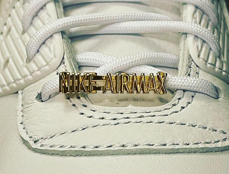Nike Air Max 90 blanche mini Swoosh dorée (4)