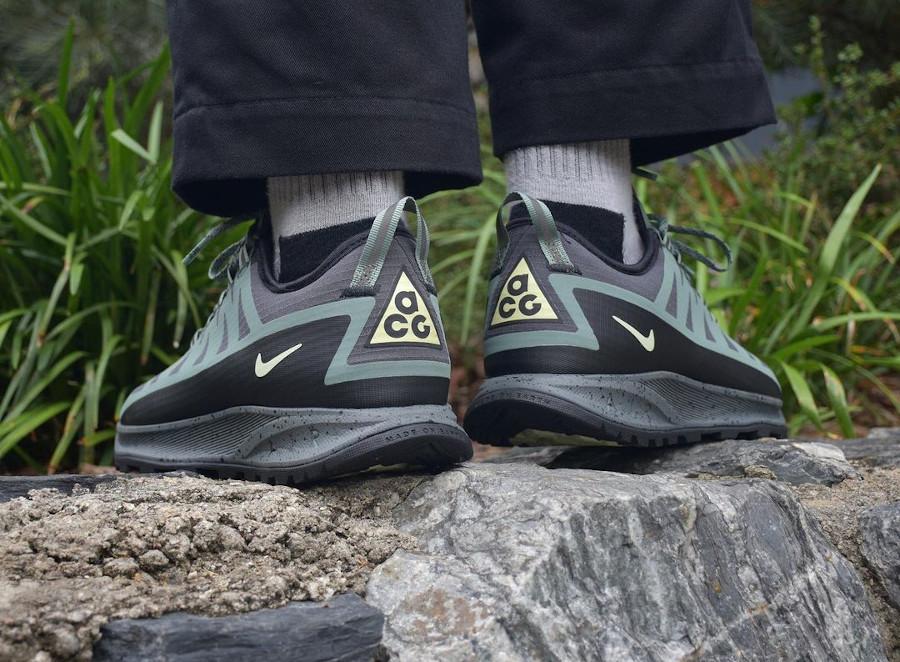 Nike Air Nasu imperméable verte et noire (1)