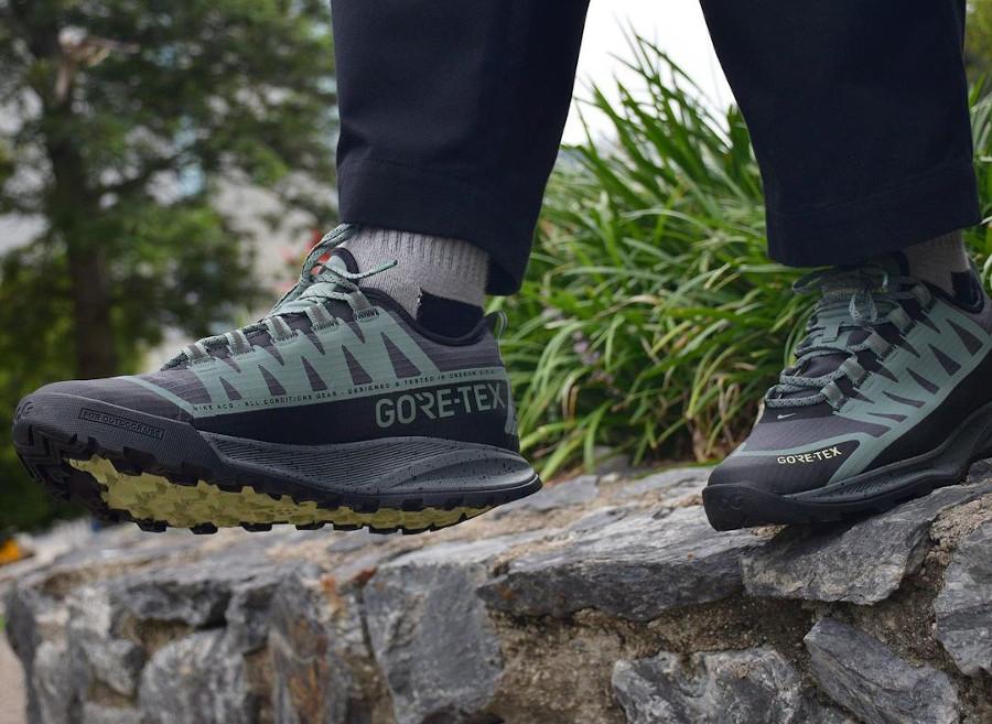 Nike Air Nasu imperméable verte et noire (2)