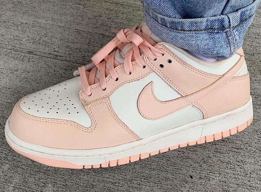 Nike Dunk basse blanche et rose pour fille (3)
