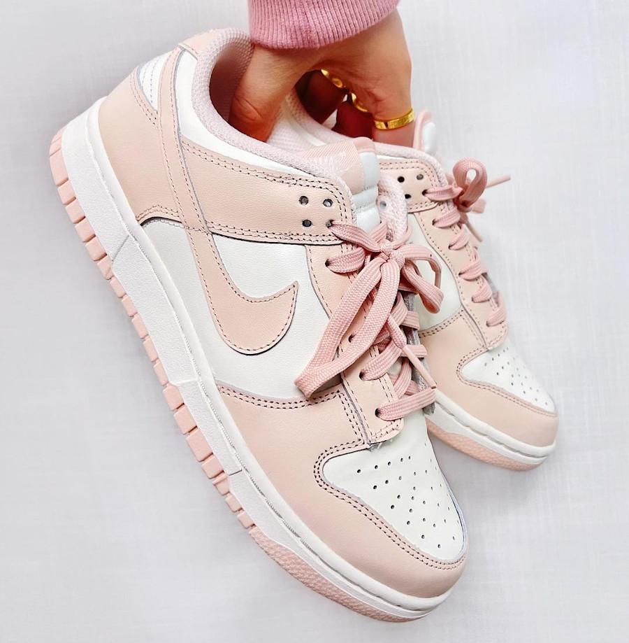 Nike Dunk basse blanche et rose pour fille (4)