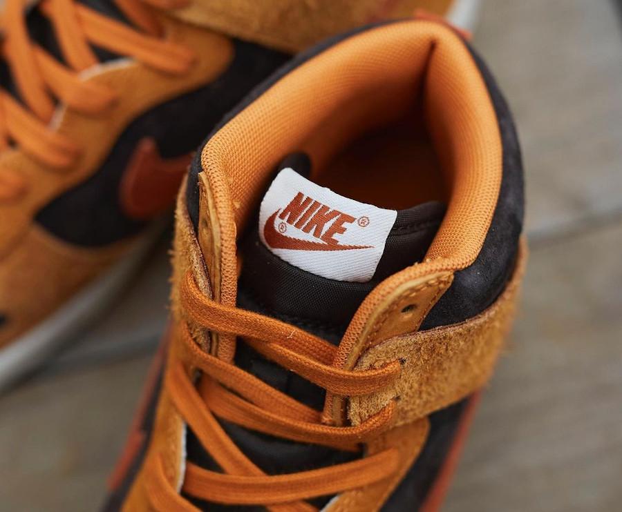 Nike Dunk montante 2021 en daim marron (2-1)