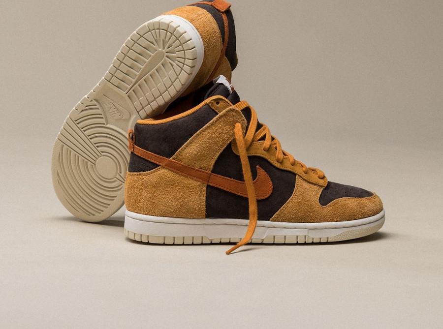 Nike Dunk montante 2021 en daim marron (6)