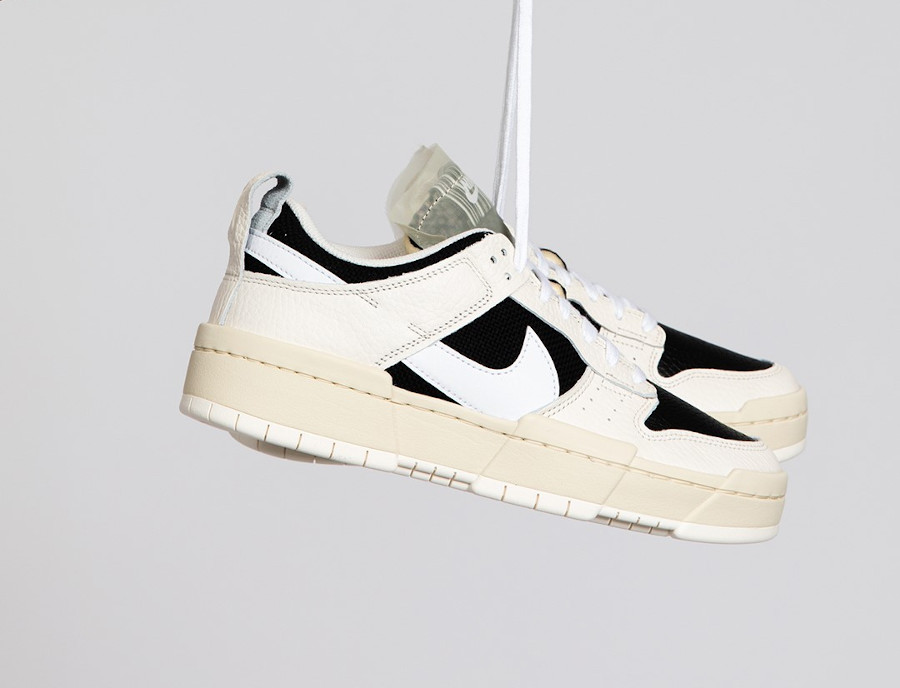 Nike W Dunk Low Disrupt Pale Ivory Barcode DD6620 001