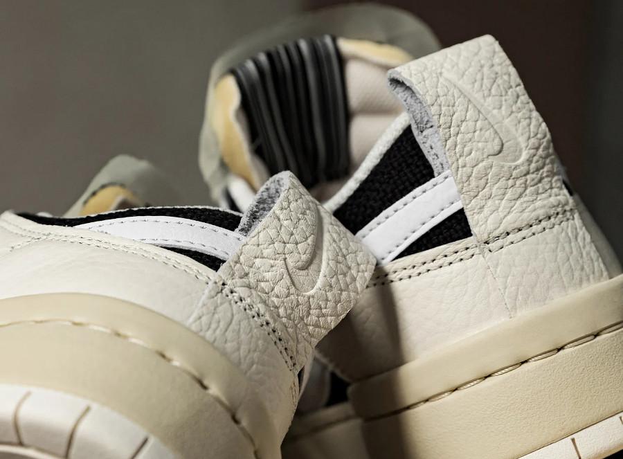 Nike Wmns Dunk Disrupt Low barre code (1)