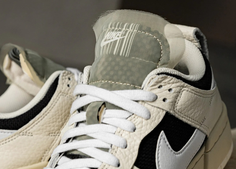 Nike Wmns Dunk Disrupt Low barre code (2)