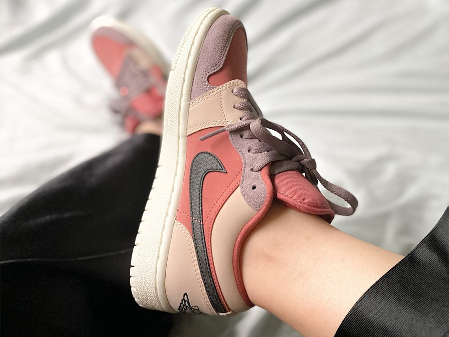 Women's Air Jordan 1 Low rose beige et violet (4)