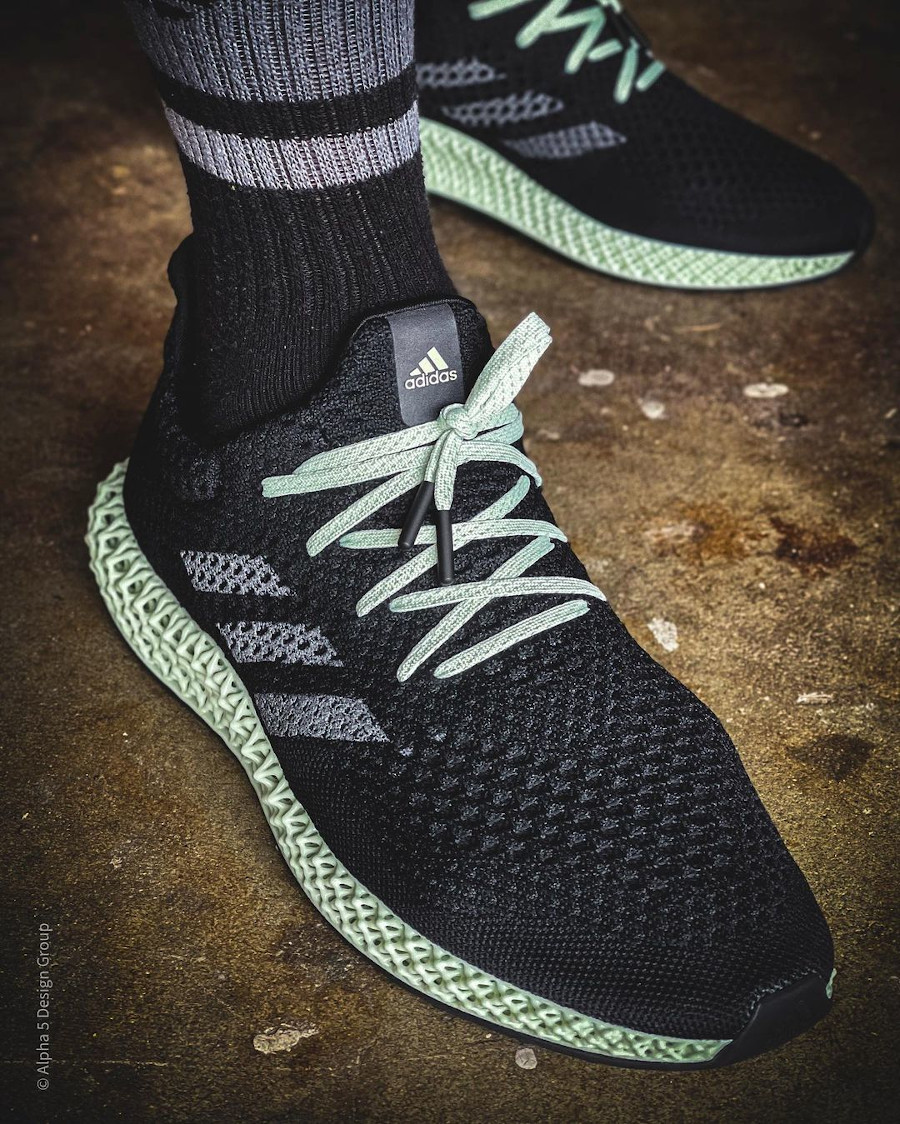 Adidas 4D Primeknit noire et verte on feet (1)