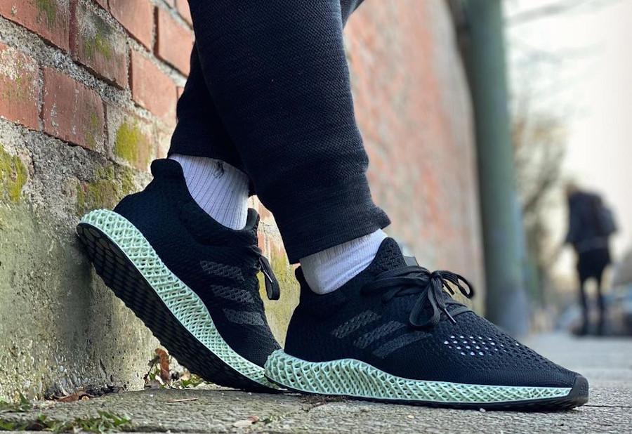 Adidas 4D Primeknit noire et verte on feet (3)