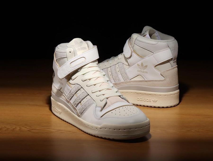 Adidas Forum 84 High blanc cassé et grise (1)