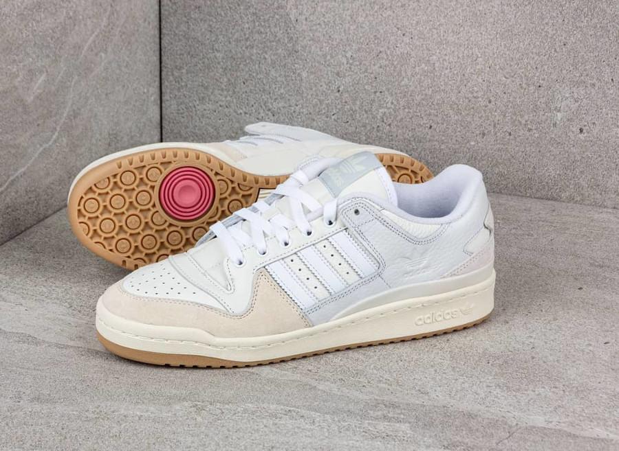 Adidas Forum 84 Low ADV blanche beige et crème FY7998