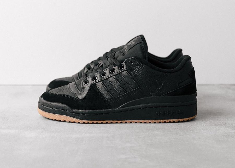 Adidas Forum 84 Low ADV noire et marron FY7999
