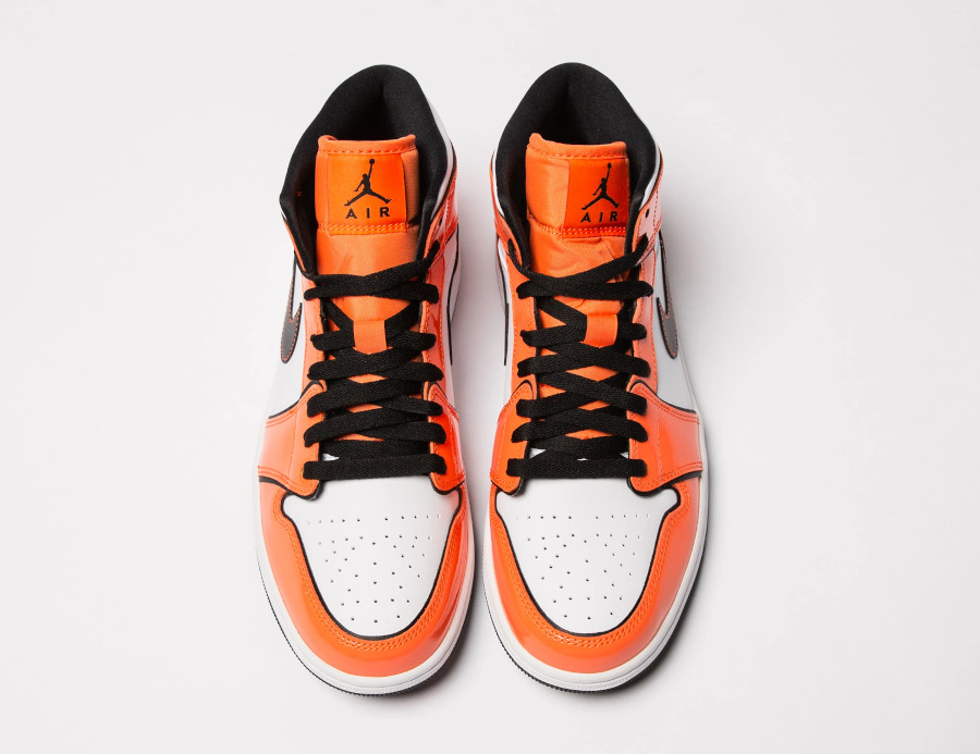 Air Jordan 1 mi-montante en cuir brillant mandarine (4)