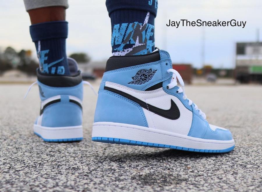 Air Jordan 1 montante blanche bleu ciel et noire (3)