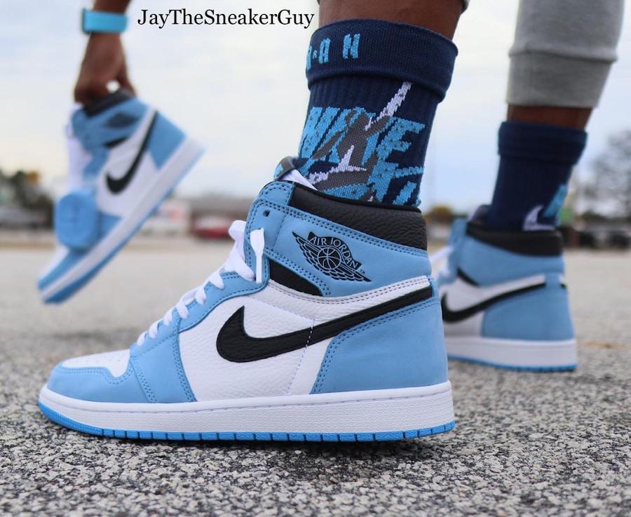 Air Jordan 1 montante blanche bleu ciel et noire (4)