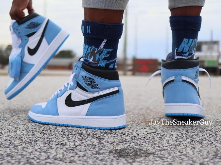 Air Jordan 1 montante blanche bleu ciel et noire (6)