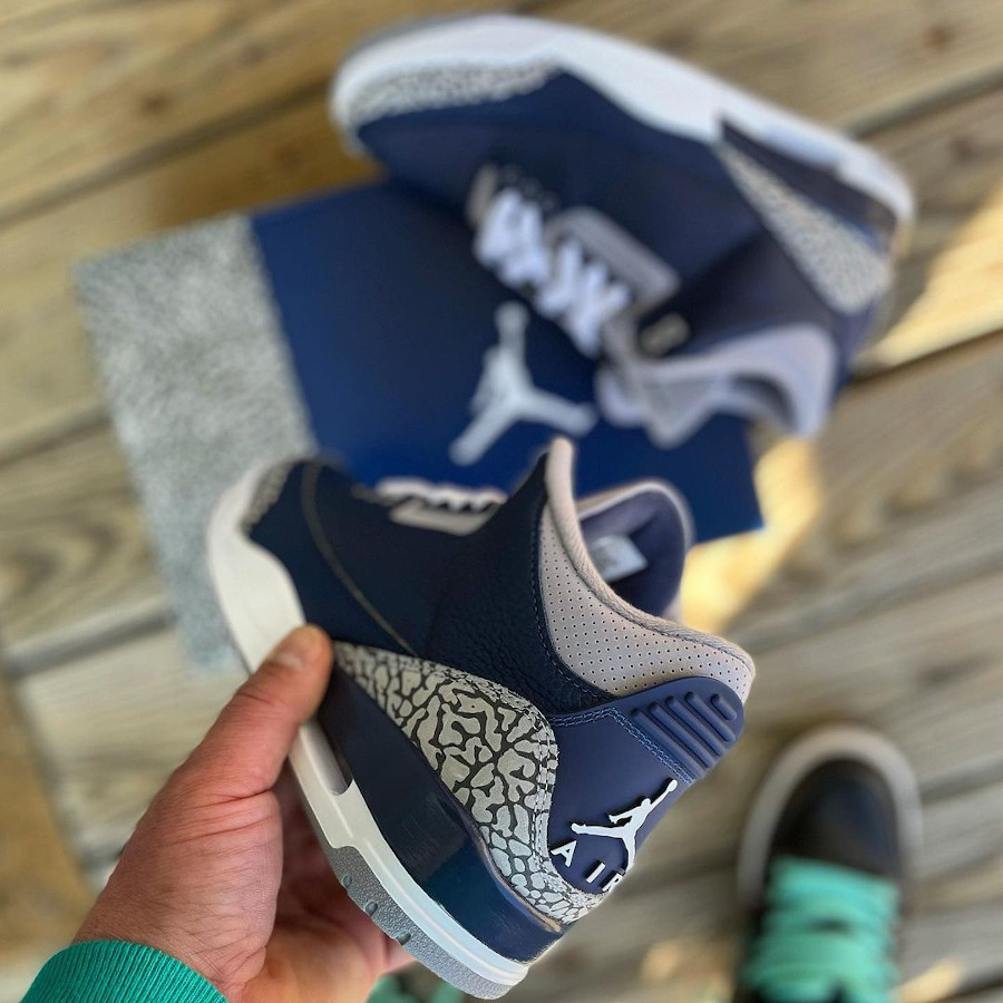 Air Jordan 3 bleu marine et grise 2021 (1)