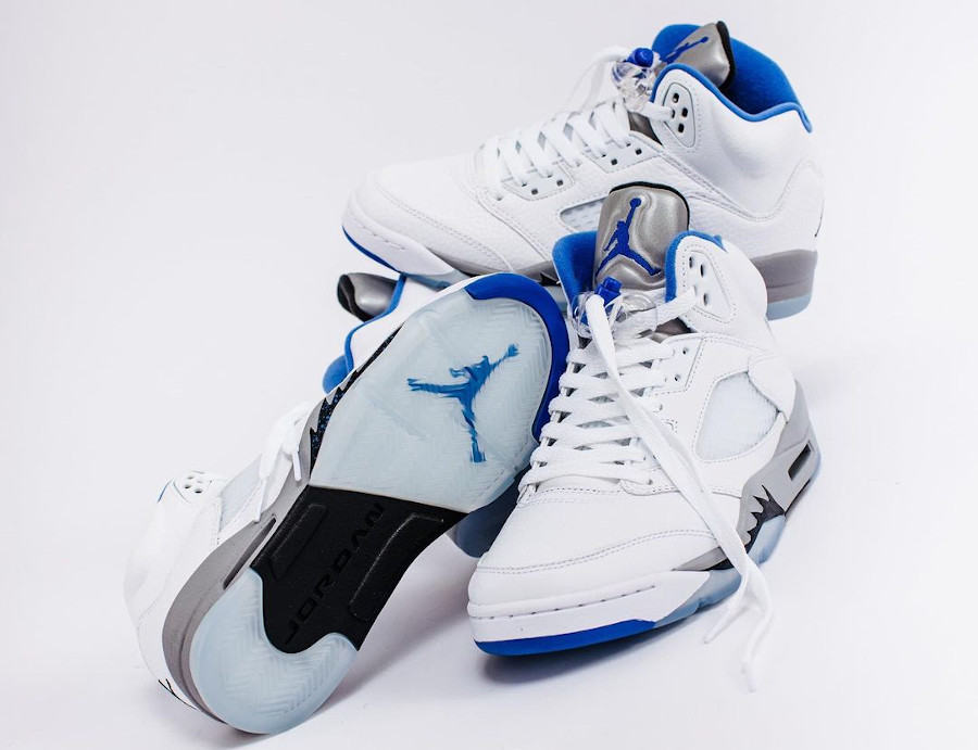 Air Jordan V blanche bleu et grise (1)